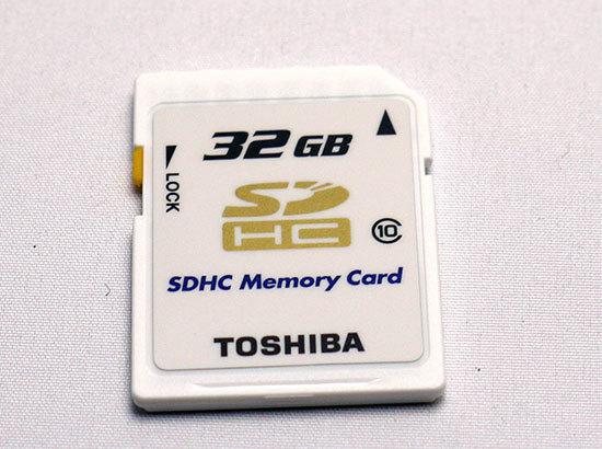 東芝-TOSHIBA-SDHCカード-32GB クラス10-1.jpg