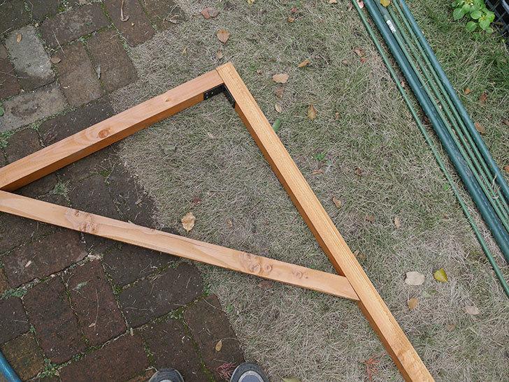 柱部分を組み立てた。2020年。ツルバラ用のフェンス制作(4)-007.jpg