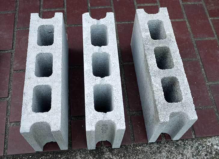 軽量ブロック基本-3個をケイヨーデイツーで買って来た2.jpg