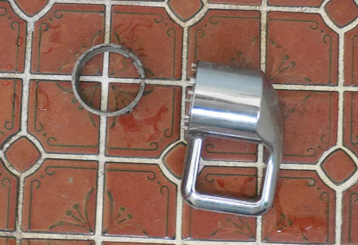 風呂場の混合水栓TOTO-TMG40CRXが水漏れするので開閉ユニット部-TH577交換して修理した10.jpg