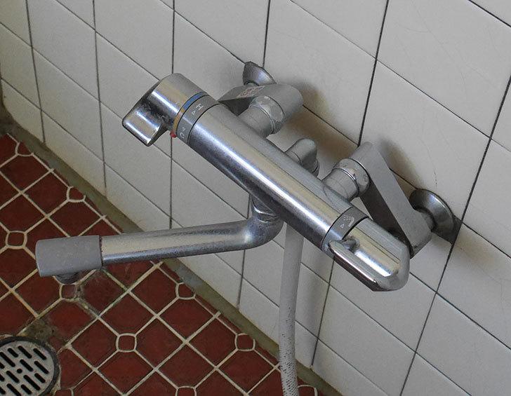 風呂場の混合水栓TOTO-TMG40CRXが水漏れするので開閉ユニット部-TH577交換して修理した2.jpg