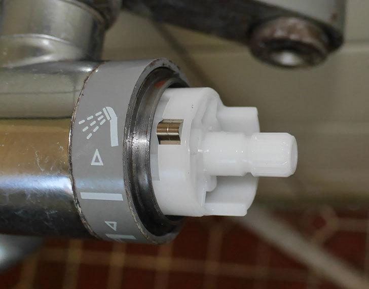 風呂場の混合水栓TOTO-TMG40CRXが水漏れするので開閉ユニット部-TH577交換して修理した27.jpg