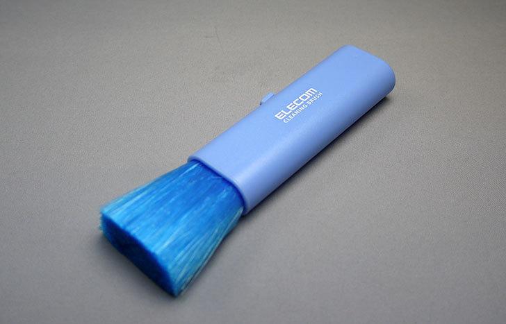 ELECOM-コンパクトブラシ-KBR-006BUをLEGO掃除用に買った1.jpg