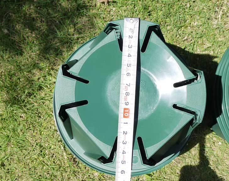 EUスリット鉢-EU-24Lモスグリーン(8号深鉢)を楽天で1ケース36個買った5.jpg