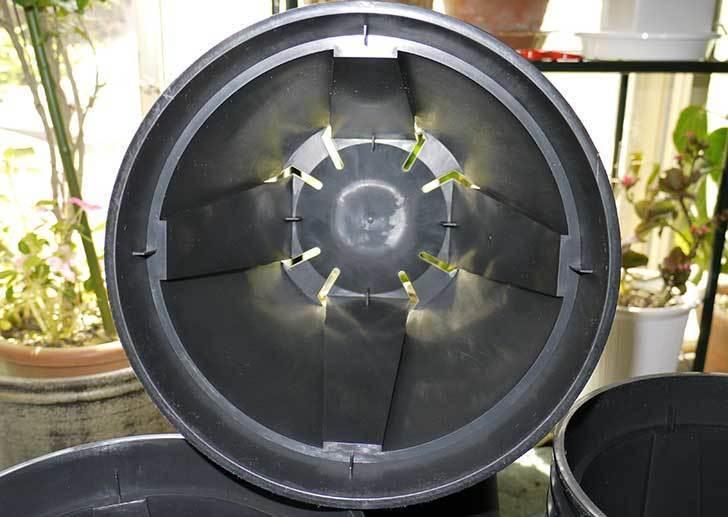 EUスリット鉢-EU-24L(8号深鉢)を楽天で1ケース36個買った5.jpg