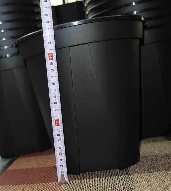 EUスリット鉢-EU-24L(8号深鉢)を楽天で1ケース36個買った6.jpg