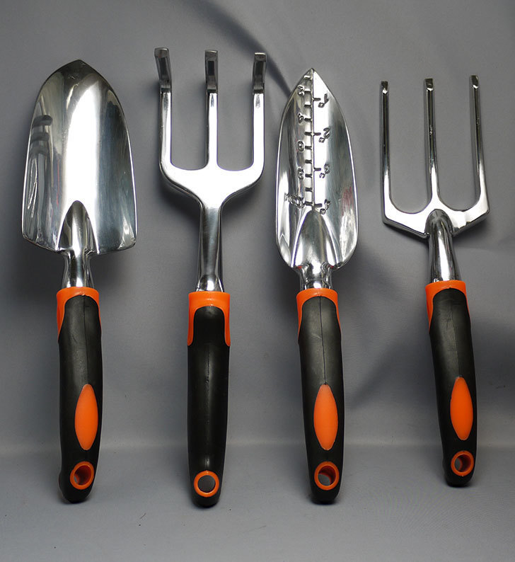 GardenHOME-ガーデニング(庭造り手工具)セットを買った1.jpg