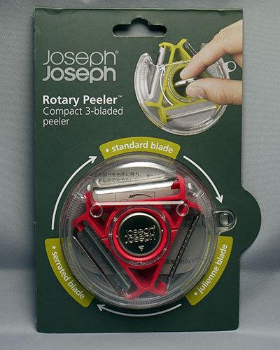 Joseph-Joseph-ロータリーピーラー-ピンク-095159を買って来た2.jpg