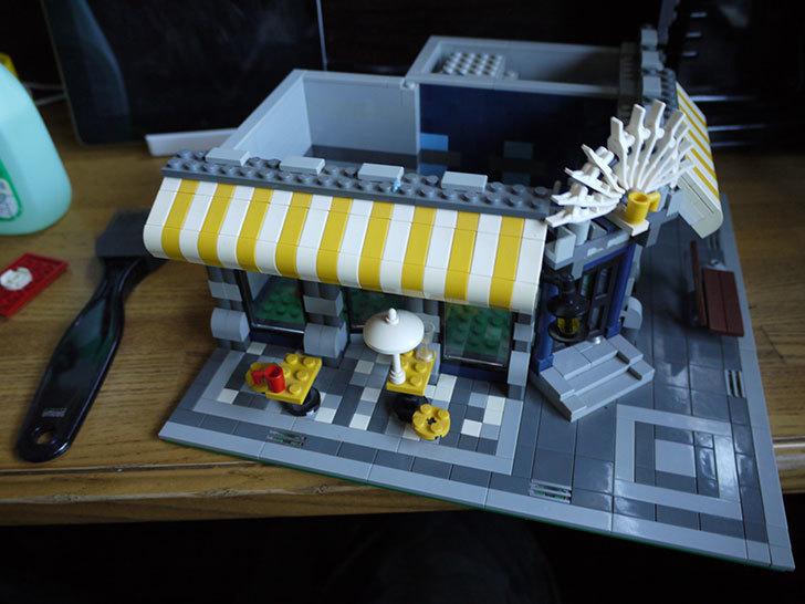LEGO-10182-カフェコーナーの掃除をした5.jpg