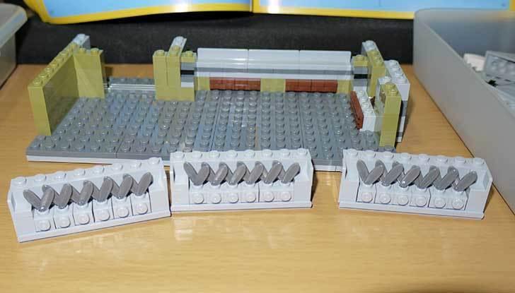 LEGO-10243-Parisian-Restaurant(パリジャンレストラン)作り始めた3-5.jpg
