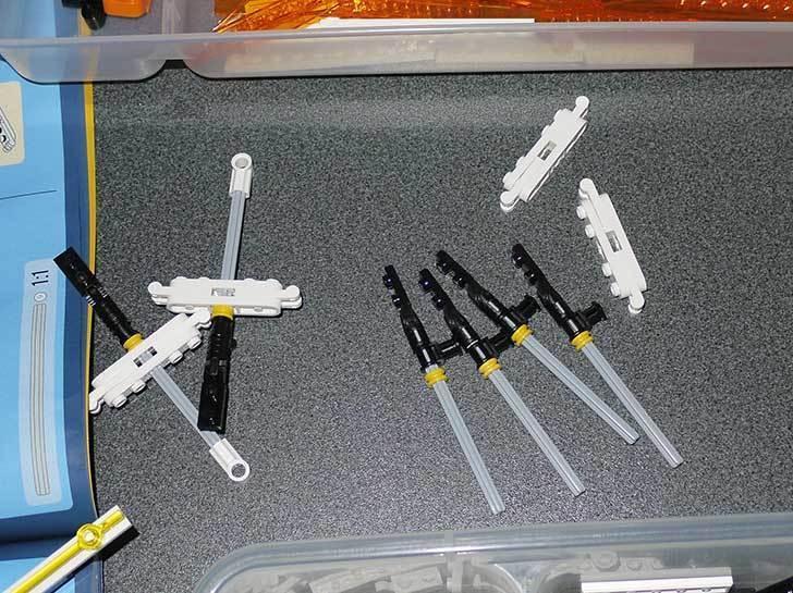 LEGO-10247-Ferris-Wheel-観覧車を作りはじめた4-16.jpg