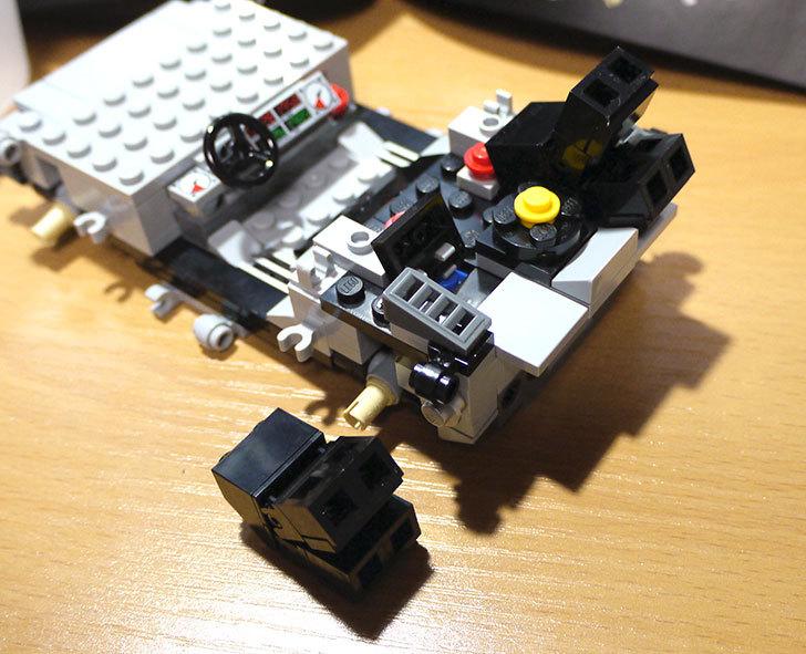 LEGO-21103-デロリアン・タイムマシンを作った27.jpg