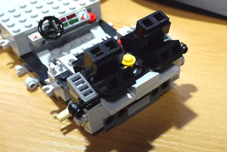 LEGO-21103-デロリアン・タイムマシンを作った28.jpg