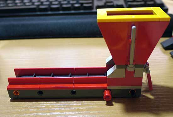LEGO-3677-レッドカーゴトレイン作成5-9.jpg