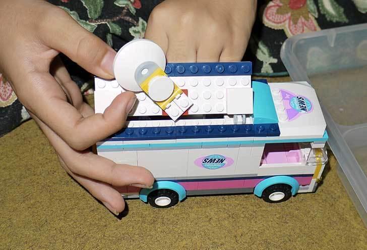LEGO-41056-ハートレイクテレビクルーを作った11.jpg