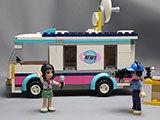 LEGO-41056-ハートレイクテレビクルーを作った1完成品表示用1.jpg