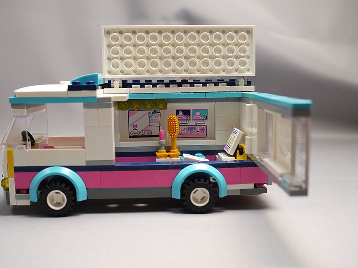 LEGO-41056-ハートレイクテレビクルーを作った22.jpg