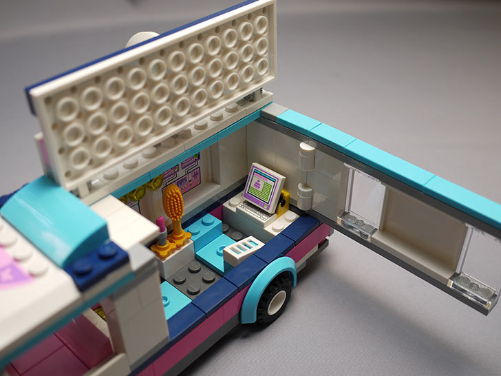 LEGO-41056-ハートレイクテレビクルーを作った25.jpg