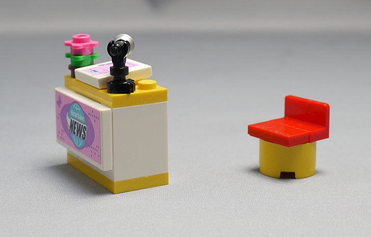 LEGO-41056-ハートレイクテレビクルーを作った30.jpg
