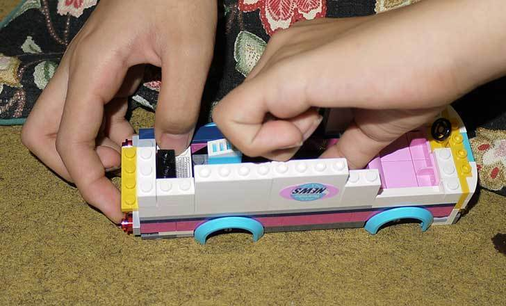 LEGO-41056-ハートレイクテレビクルーを作った9.jpg