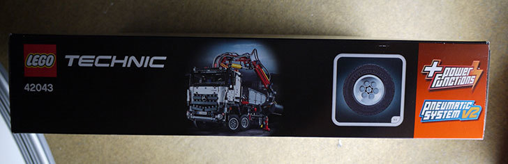 LEGO-42043-メルセデス・ベンツ-アロクス-3245が届いた3.jpg