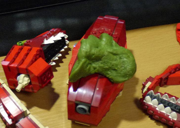 LEGO-4507-恐竜デザイナーの掃除した13.jpg