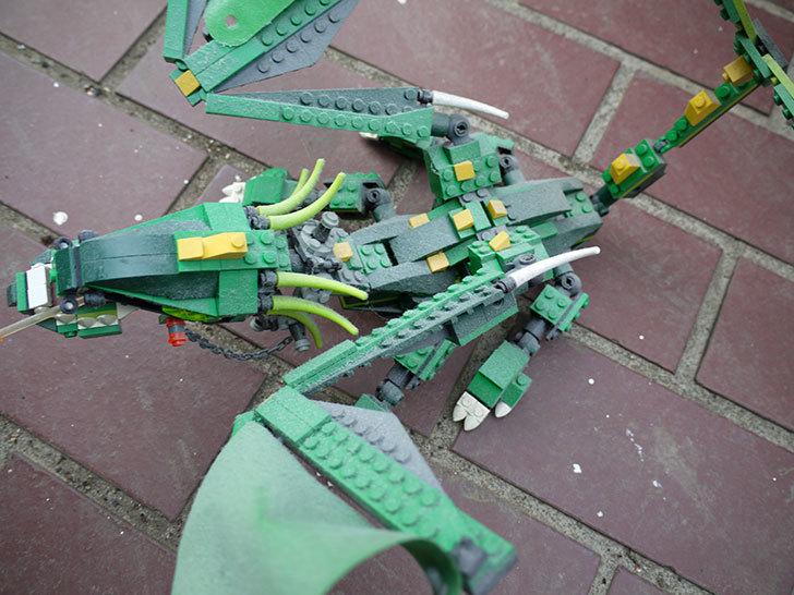 LEGO-4894-グリーンドラゴンの掃除をした2.jpg