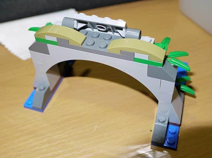 LEGO-70112-チーマ-ガブッと-わにの口を作った10.jpg