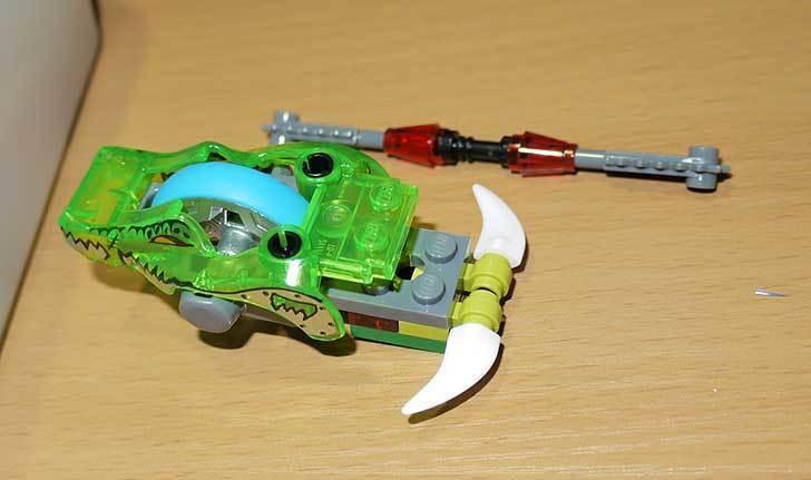 LEGO-70112-チーマ-ガブッと-わにの口を作った5.jpg