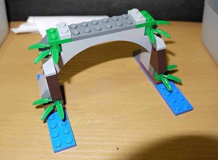 LEGO-70112-チーマ-ガブッと-わにの口を作った9.jpg