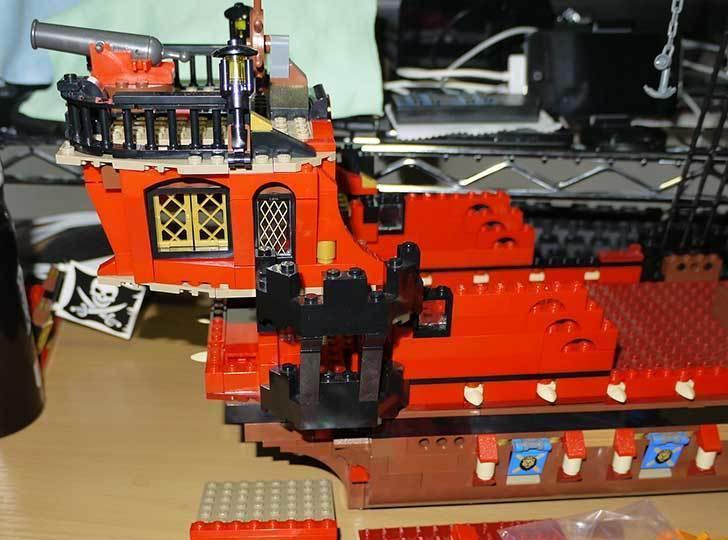 LEGO-70413-海賊船の改造を始めた7-8.jpg