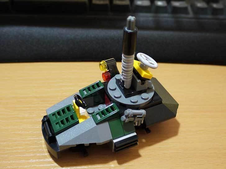 LEGO-76008-アイアンマンTM-vs-マンダリンTM究極のショーダウンを作った15.jpg
