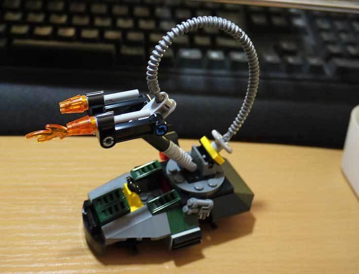 LEGO-76008-アイアンマンTM-vs-マンダリンTM究極のショーダウンを作った17.jpg