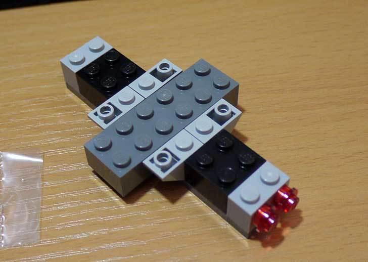 LEGO-76008-アイアンマンTM-vs-マンダリンTM究極のショーダウンを作った7.jpg