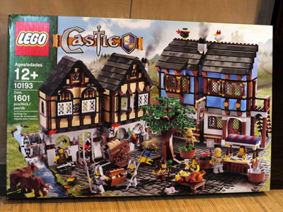 LEGO 10193 中世のマーケットヴィレッジ 1.jpg