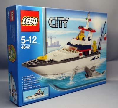 LEGO 4642 フィッシングボート 1.jpg