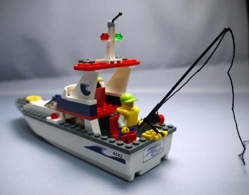 LEGO 4642 フィッシングボート 12.jpg