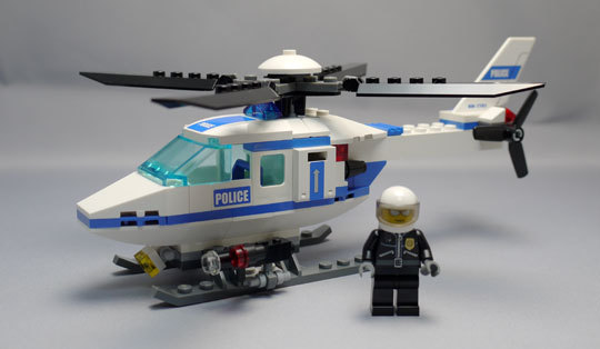 LEGO 7741 警察ヘリコプター作成1.jpg