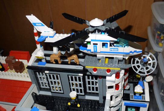 LEGO 7741 警察ヘリコプター作成12.jpg