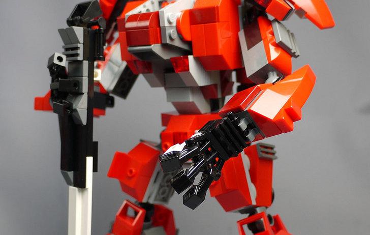 LEGOで赤いロボットを作った1-10.jpg