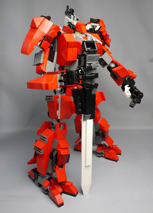 LEGOで赤いロボットを作った1-23.jpg