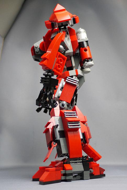 LEGOで赤いロボットを作った1-28.jpg
