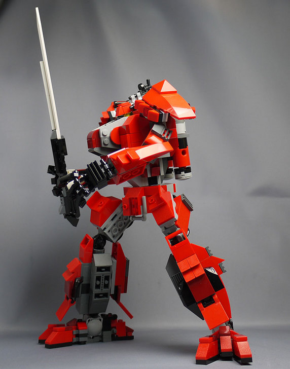 LEGOで赤いロボットを作った1-44.jpg