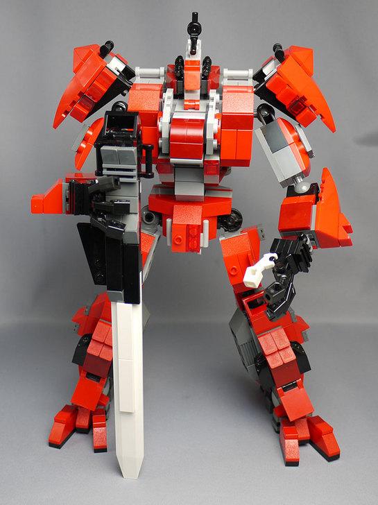 LEGOで赤いロボットを作った1-8.jpg