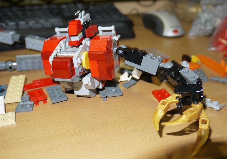 LEGOロボを作り始めた。ミニフィグ-サイズのリアルスケール物1-1.jpg