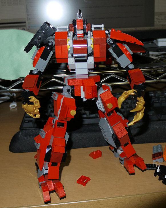 LEGOロボを作り始めた。ミニフィグ-サイズのリアルスケール物1-23.jpg