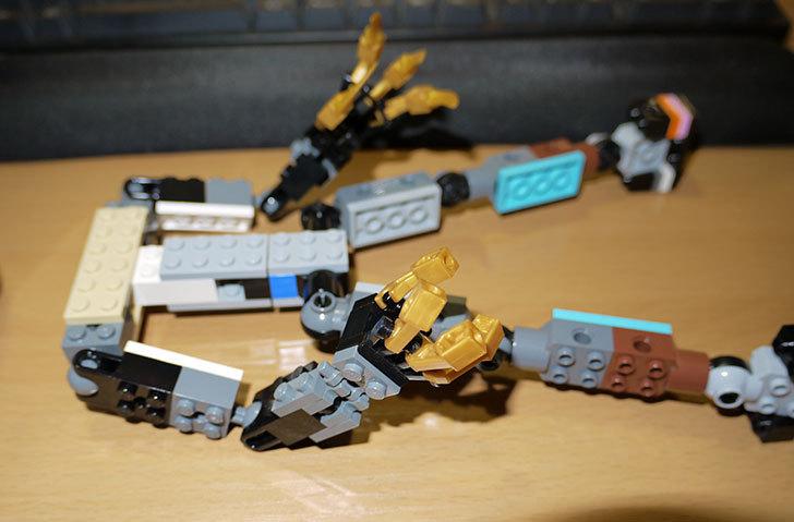 LEGOロボを作り始めた。ミニフィグ-サイズのリアルスケール物1-4.jpg