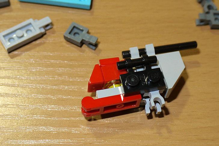 LEGOロボを作り始めた。ミニフィグ-サイズのリアルスケール物1-5.jpg