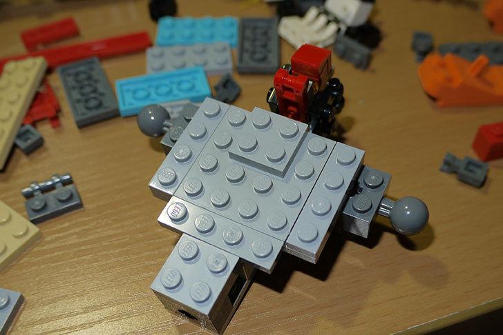 LEGOロボを作り始めた。ミニフィグ-サイズのリアルスケール物1-6.jpg