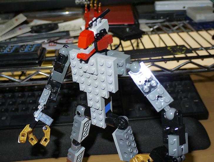 LEGOロボを作り始めた。ミニフィグ-サイズのリアルスケール物1-8.jpg